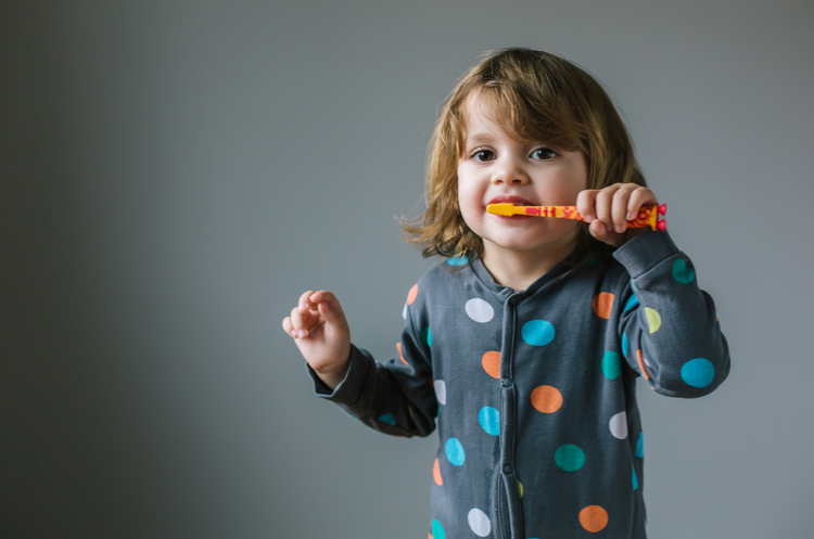 5 metodi o più per far lavare i denti