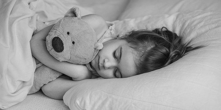 Bruxismo nei bambini: cause e accorgimenti per vivere sereni